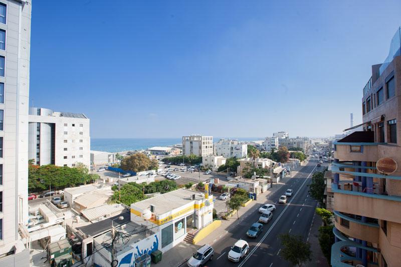 Vue sur la mer et Tel-Aviv de l'hôtel