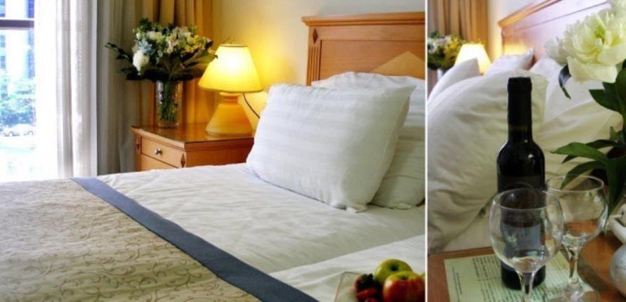 Chambre à coucher avec 2 lits